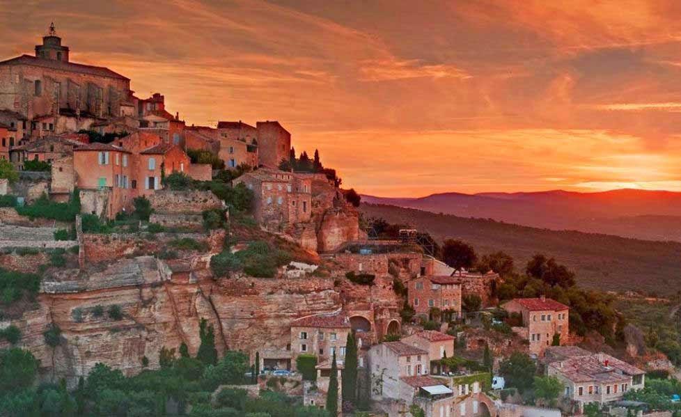 arquitectura-casas-Gordes-Francia-nombres de pueblos para cuentos