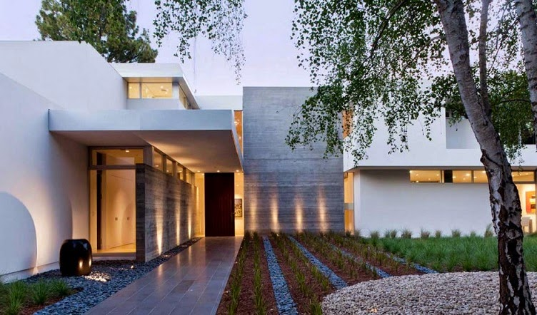 Casa ara dise o minimalista by swatt miers architects for Modern homes in the woods for sale