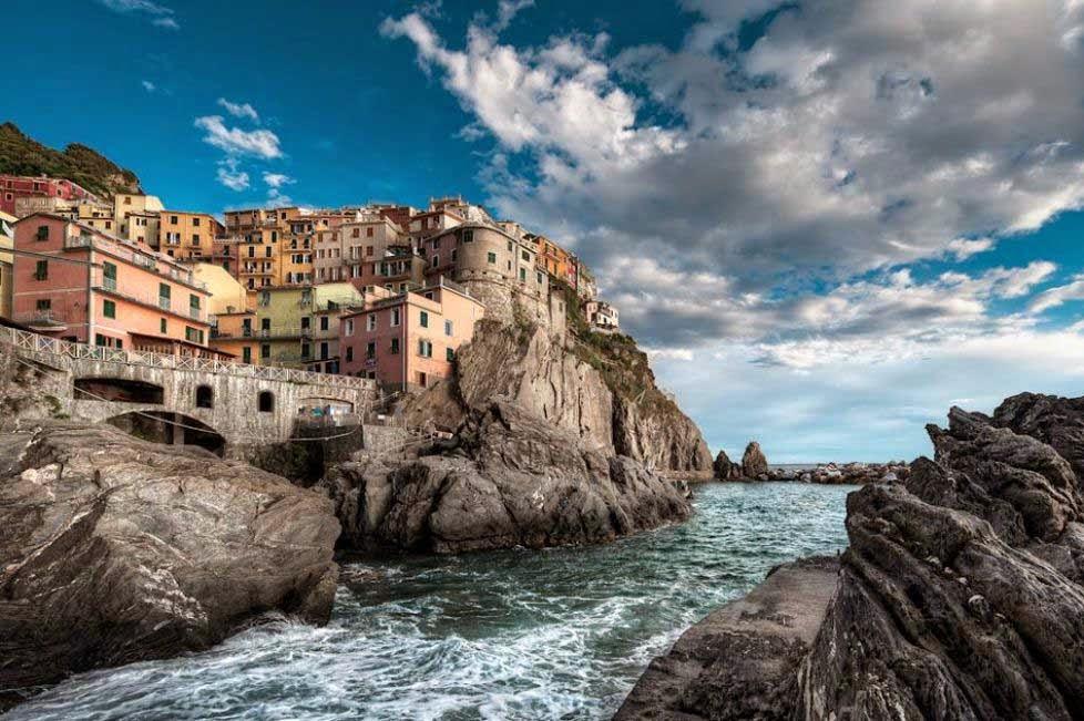 arquitectura-casas-Vernazza-La-Spezia-Italia