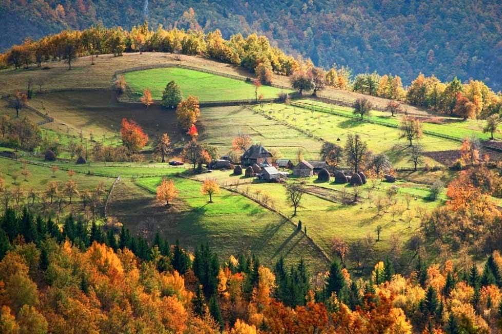 arquitectura-casas-Village-en-Serbia-nombres de pueblos para cuentos