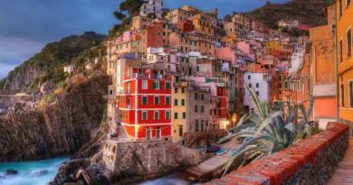 pueblos-de-cuentos-de-adas-Riomaggiore-La-Spezia-Italia1