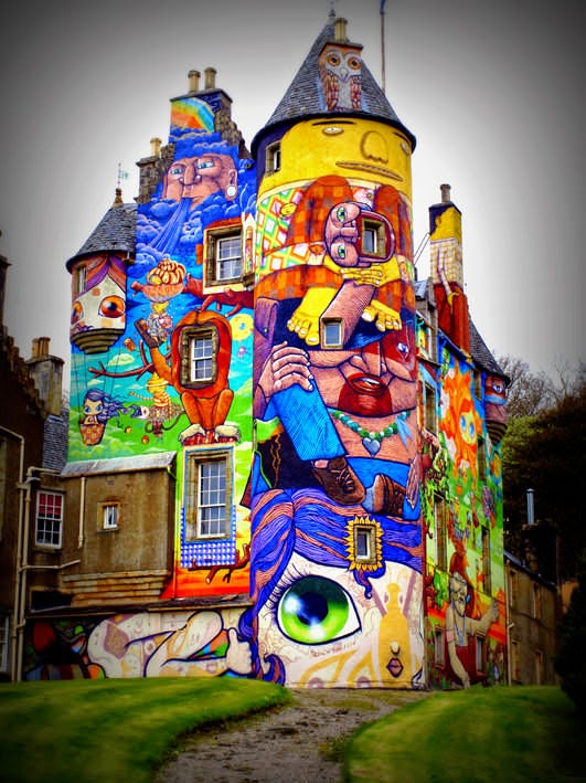 arquitectura-Graffitis-del-Castillo-Kelburn-Escocia