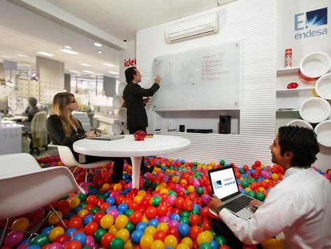 Consejos y dise os creativos para oficinas arquitexs for Decoracion de oficinas creativas
