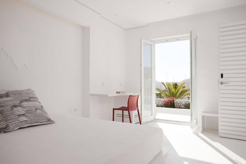 habitacion-blanca-minimalista-hotel