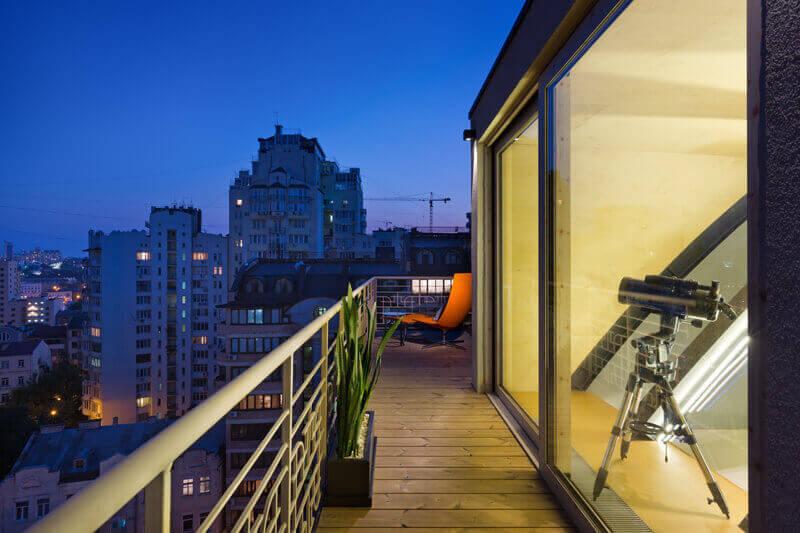 terraza apartamento contemporáneo en Ucrania