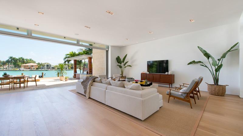 Casa moderna di lido island miami beach arquitexs for Casa moderna miami website