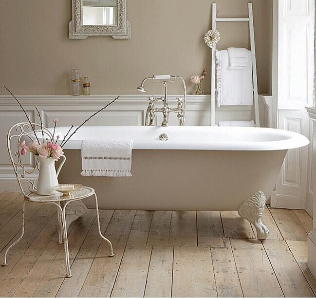 Baños Con Estilo Vintage:Bañeras con patas en baños modernos de estilo vintage