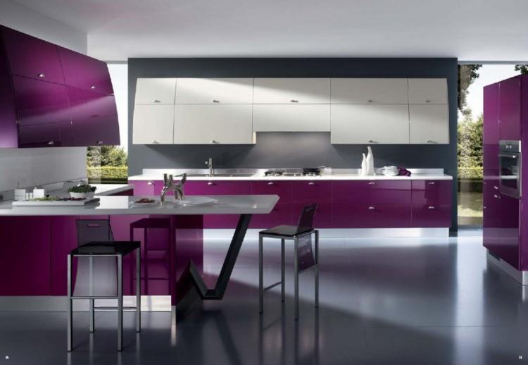 Cocinas modernas pequeñas cocina-moderna-color-violeta