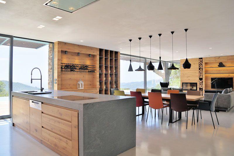 Moderna casa de piedra en una colina italiana arquitexs for Ver interiores de casas modernas
