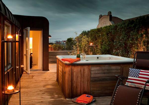 25 jardines y terrazas con encanto arquitexs - Jacuzzi en terraza ...