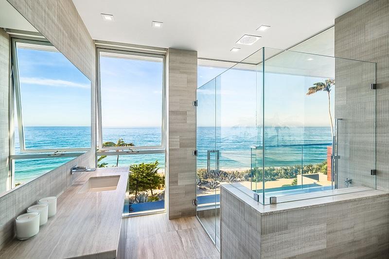 Puertas De Baño Tipo Oceano:cuenta con la comodidad de tener un espacio de ocio, y una sala de