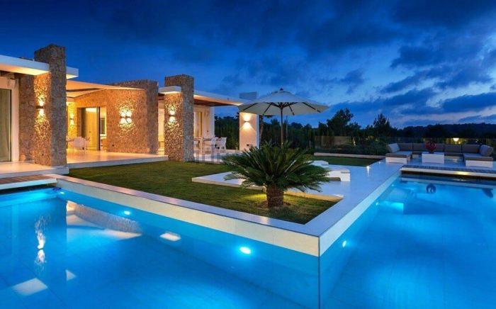 35 fotos de fachadas de casas modernas arquitexs - Casas modernas con piscina ...