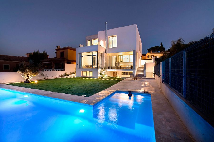 Sant cugat del vall s las ventajas de vivir rodeado de for Casas con piscina baratas barcelona