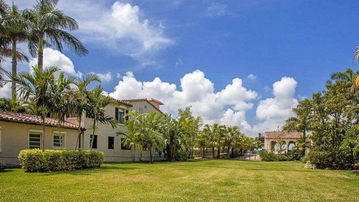 jardin-casa-de-matt-damon-en-miami-beach