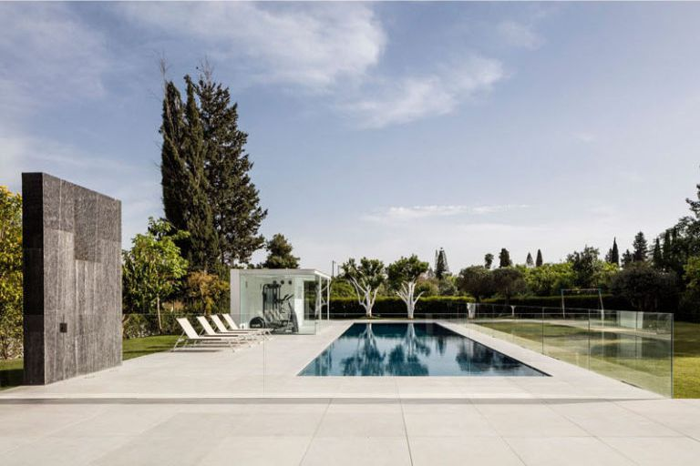 casa-minimalista-piscina