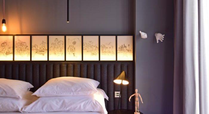 decoracion-pared-hotel-cr7-cristiano-ronaldo