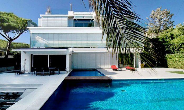 Exclusivas casas de lujo en venta en barcelona arquitexs for Casas con piscina baratas barcelona