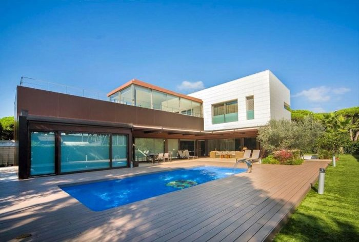 Moderna casas fabulous moderna casas with moderna casas for Casas modernas con piscina