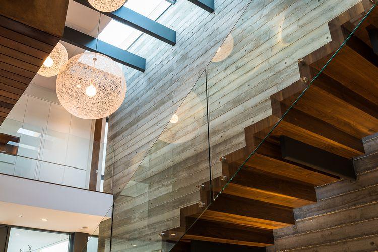 diseno-escaleras-madera-hormigon