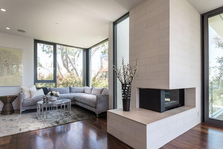 salon-chimenea-Amalfi-Drive-Residence