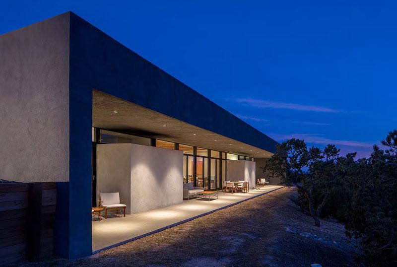 Casa moderna de hormigón en el desierto de Nuevo México