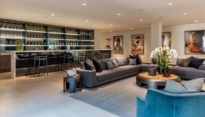 El Diseño y La decoración salon con bar